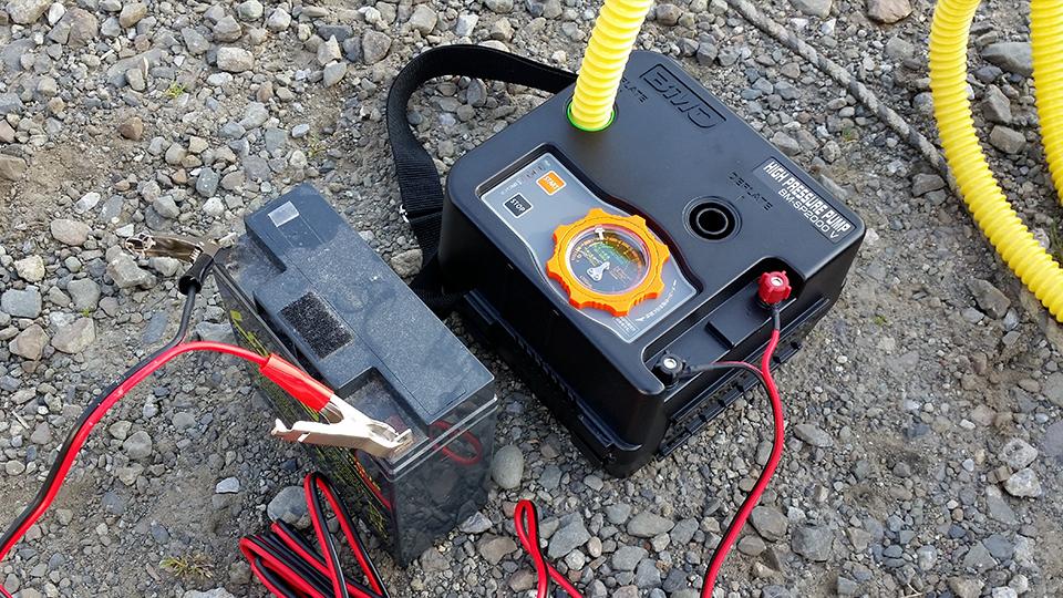 ハイプレッシャーポンプ(BM-SP2000V)とバッテリー(LONG WP20-12)