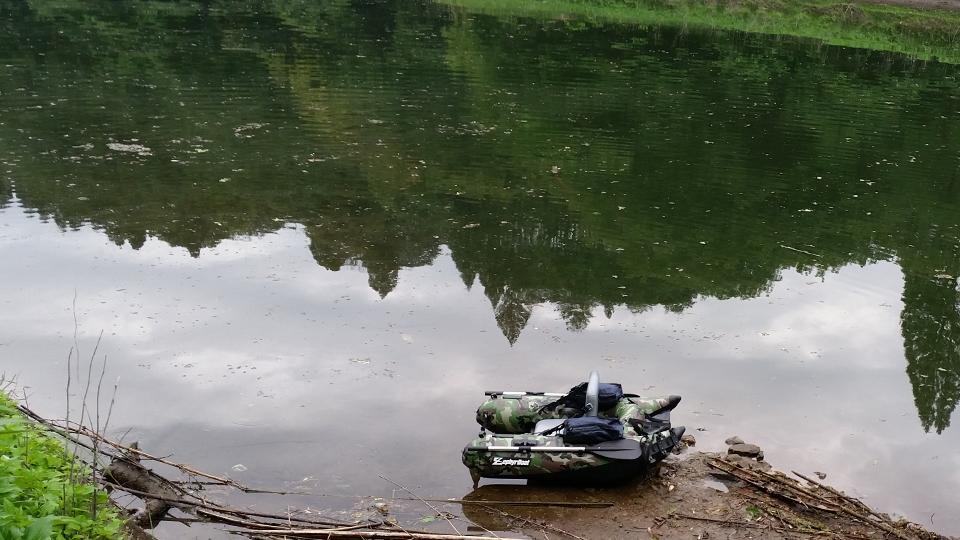 野尻湖に浮かぶフローター