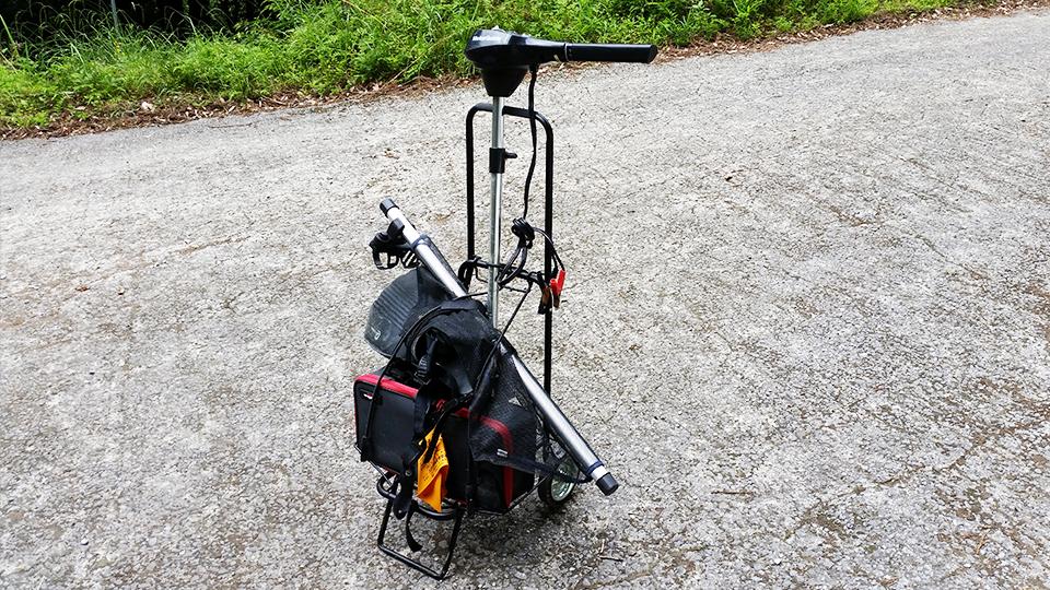 重いバッテリーとエレキを持ち運ぶ為の『荷台』