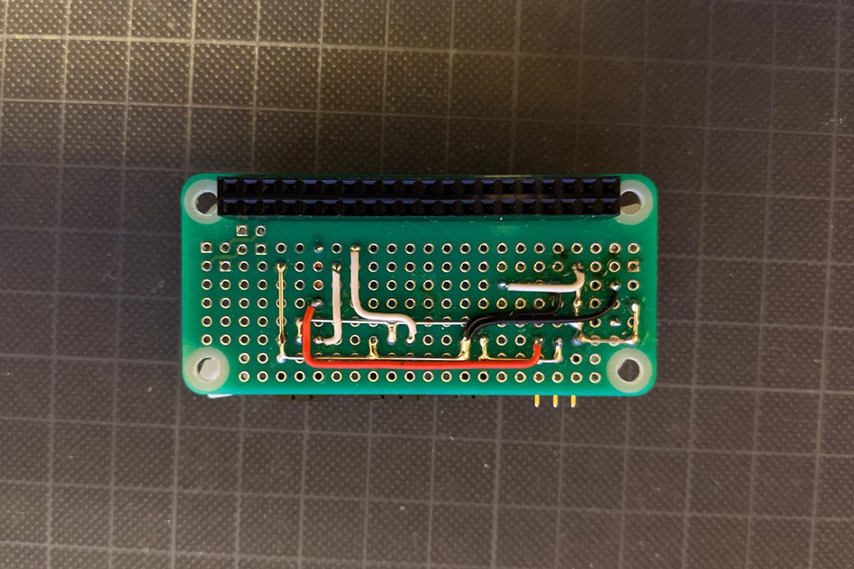 ラズバイZERO用ユニバーサル基板を使った回路(配線面)