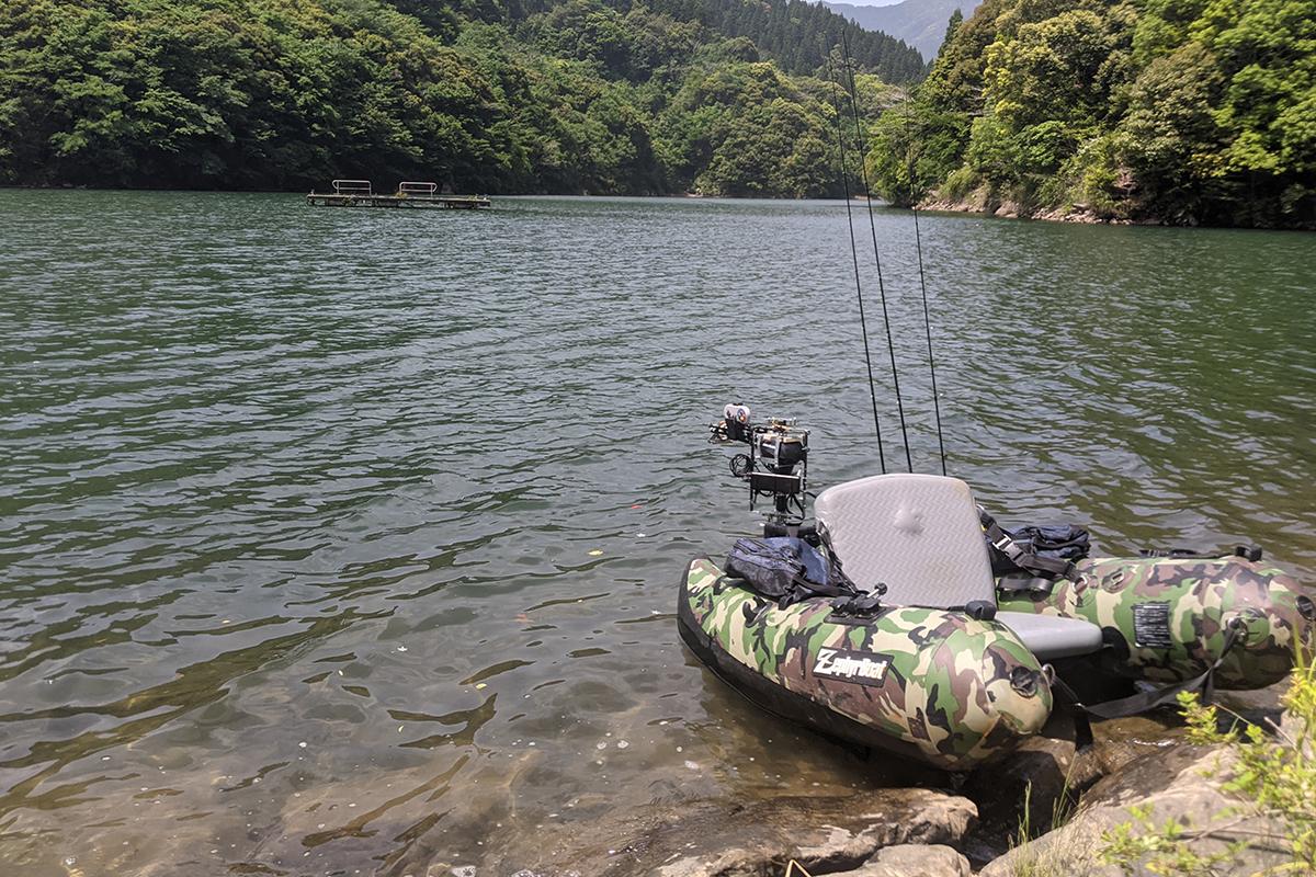 広渡ダムに浮かべたフローター