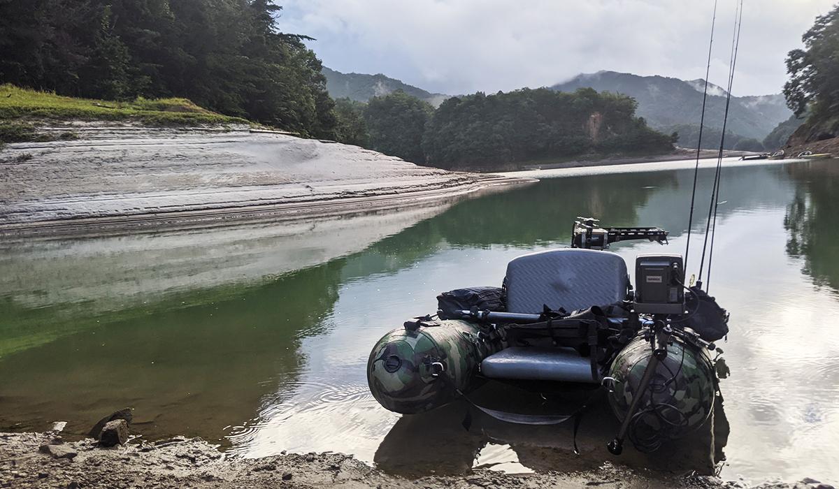 小野湖に浮かぶフローター